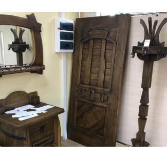 Двери, состаренные под старину