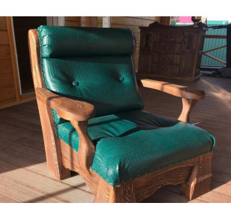 Мягкая мебель, состаренная под старину